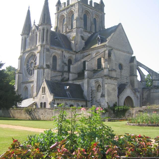 Eglise Saint-Yved < Braine