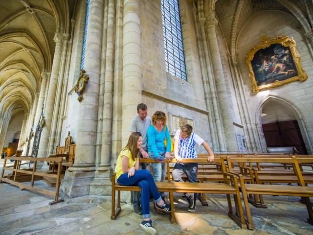 Transept droit < Cathédrale Saint-Gervais Saint-Protais < Soissons