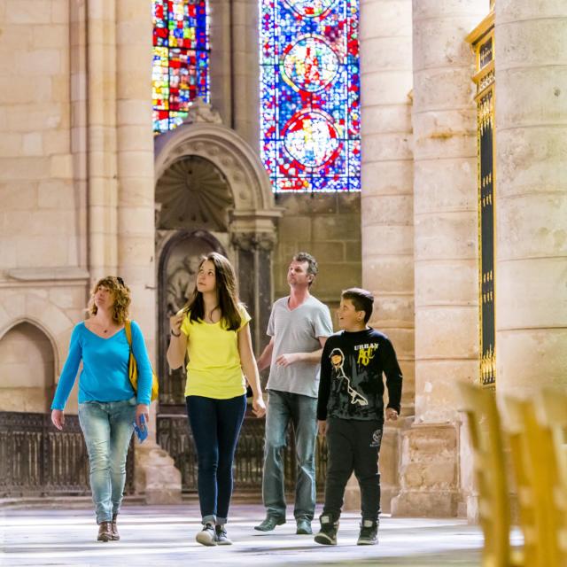 Déambulatoire du chœur < Cathédrale Saint-Gervais Saint-Protais < Soissons