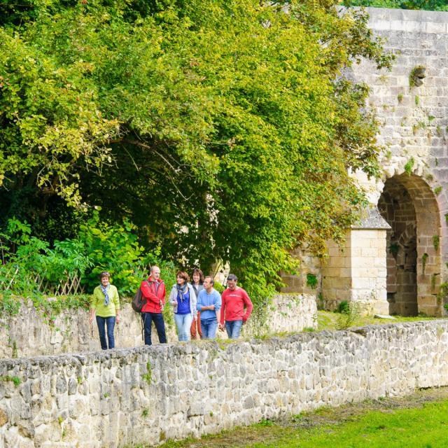 Randonnée < Coucy-le-Château
