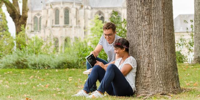 Pause lecture en amoureux < Berges de l'Aisne < Soissons