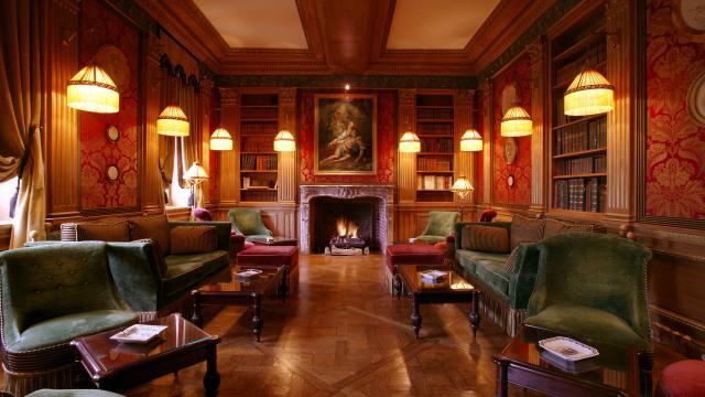 Salon bibliothèque Pschaff < Château de Courcelles